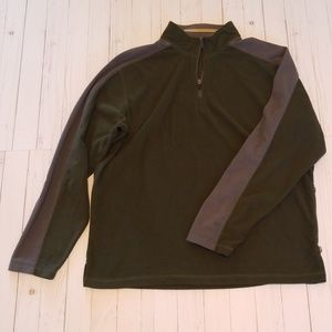 REI size L olive green fleece. (O19)